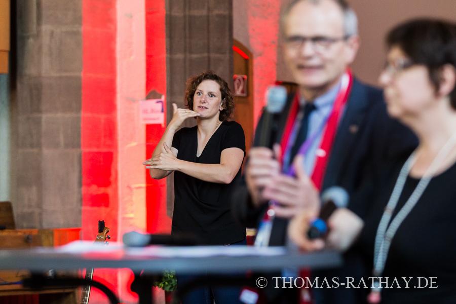 DEKT / Diskussion in der Leonhardskirche zum Thema: 20 Jahre Vesperkirche – (k)ein Grund zum Feiern