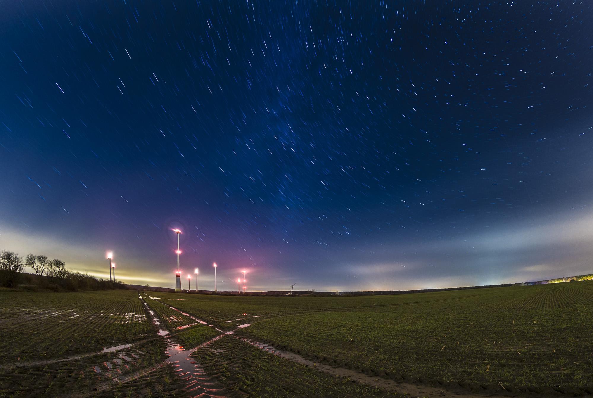 April: Windräder bei Nacht zwischen Klosterfelde und Stolzenhagen