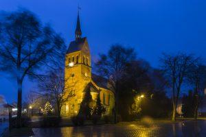 Dezember: Kirche Stolzenhagen