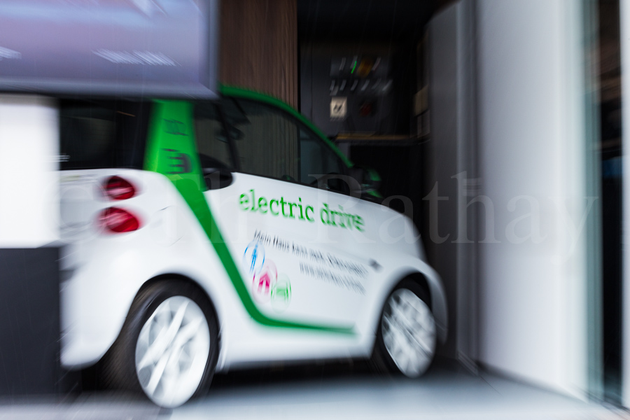 Elektro SMART in Drehgarage