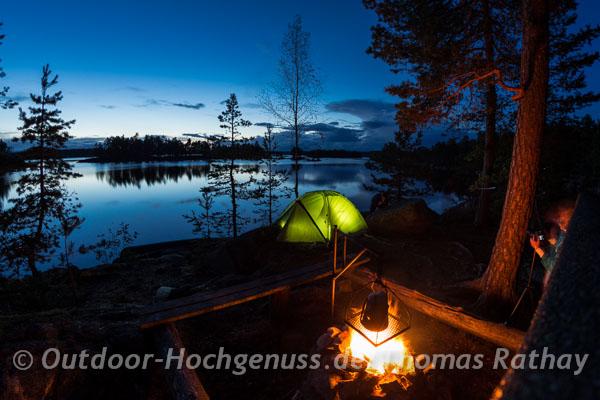 Abendstimmung mit Zelt während einer Paddelntour im Naturreservat Glaskogen