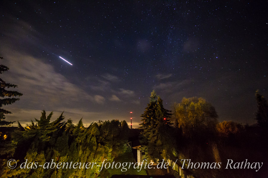 Sternenhimmel und Windkraftanlagen in Wandlitz/Klosterfelde