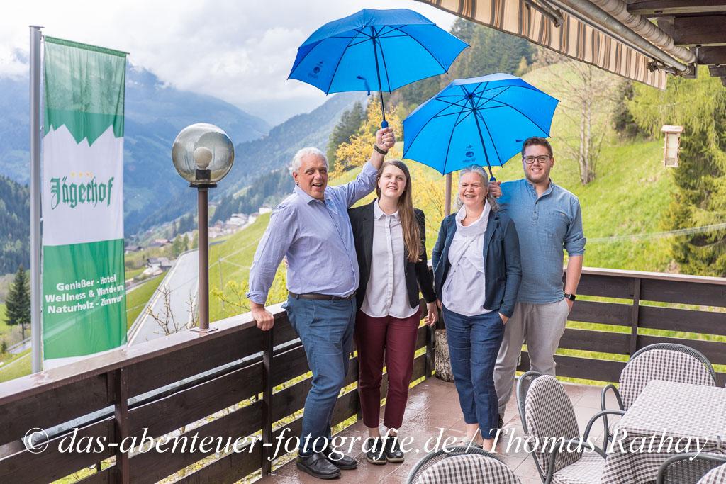 Siegi, Magdalena, Irmgard und Matthias sind die Wirtsfamilie im Jägerhof!