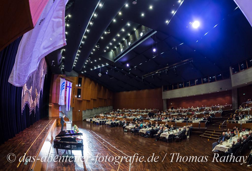 Redner im großen Saal