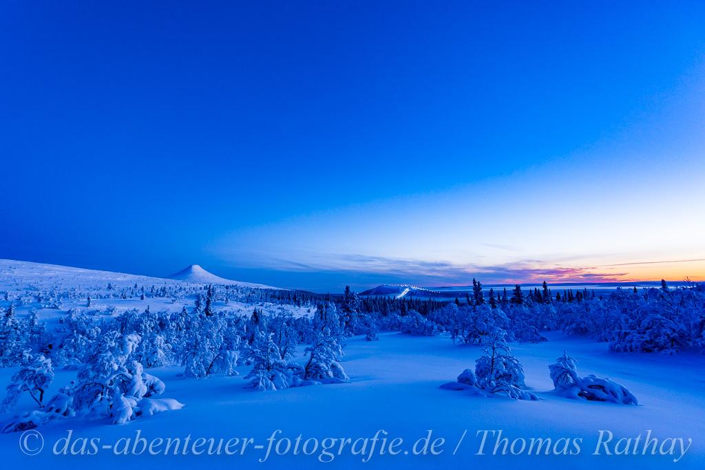 Schneeschuhtour auf dem Nipfjäll mit Blick auf den Städjan