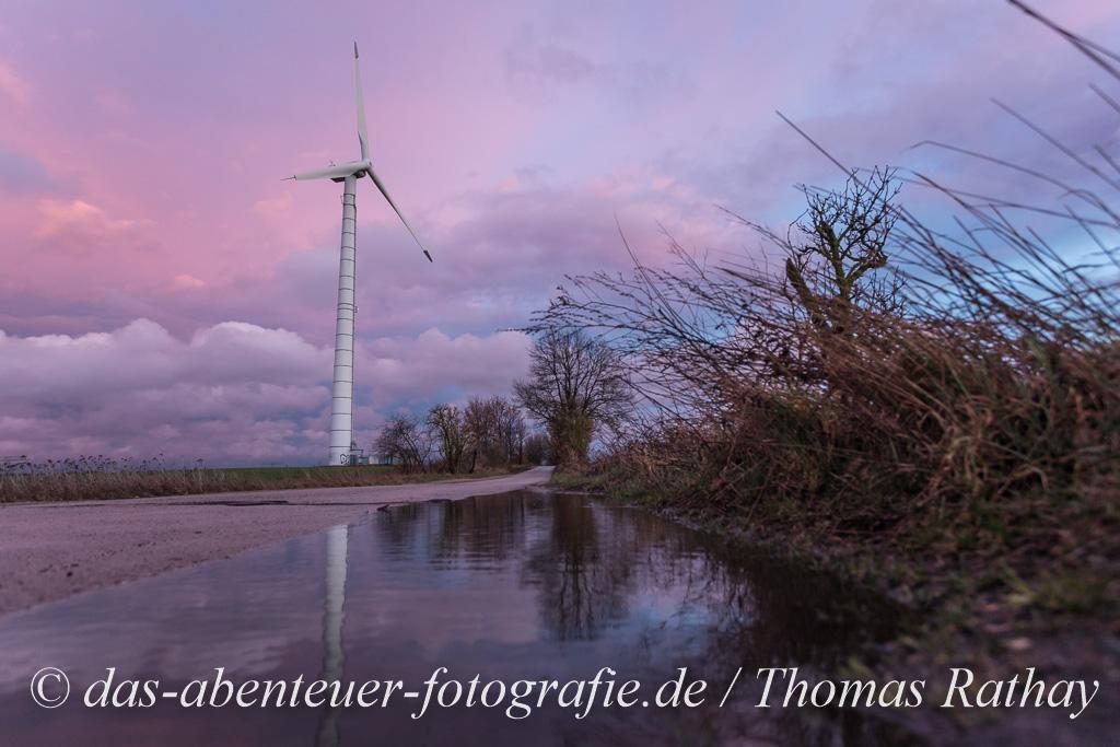 Windkraftanlage auf einem Barnimer Feld